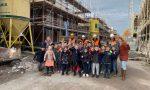 Kinderen basisschool 'De Wonderwijzer 'op bouwbezoek bij De Nieuwe Buurt